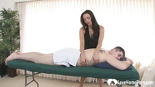 Slutty masseuse gets her cunt drilled hard