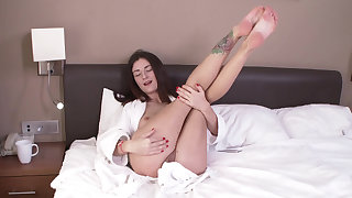 Teen fills her asshole with a chubby dildo