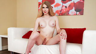 Janelle Fennec Cums - TGirlsXXX