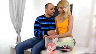 Libidinous babe Missy Luvis making carry the with her elder boyfriend on the pre-eminent date