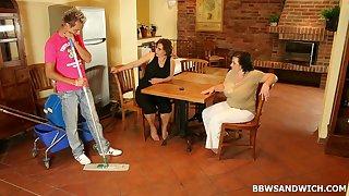 Bush-league threesome on the floor with chunky ladies Dominika and Sandra