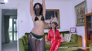 Dispirited pizzazz whittle Sahara Knite loves to have lesbo coition with their way friend