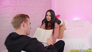 Aesthetic young bloke seduced by sizzling doll Katrina Moreno