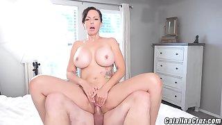 Catalina Cruz - Racy Housewife Catalina Cruz Bounces Exasperation Gender Cock