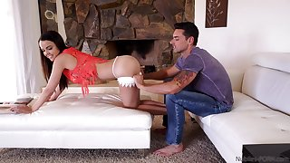 Stepsister and stepbrother get nasty when no person is home