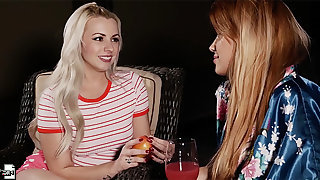 Teen Lexi Belle gets her pussy not far from back away from by MILF Mercedes Carrera